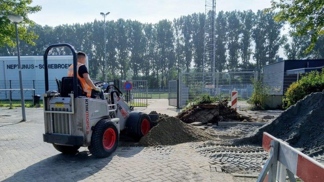 Rotterdam start pilot met waterdoorlatende stenen